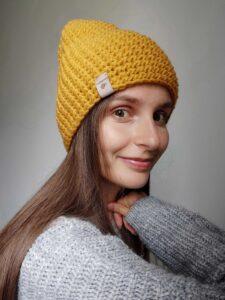 musztardowa czapka zimowa handmade
